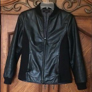 QUE medium leather jacket